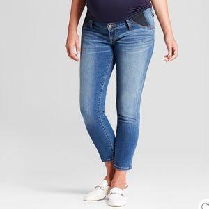 Maternity Side Panel Crop Jeans - Ingrid & Isabel